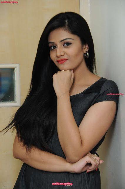 Sreemukhi hot in black dress - World Cinema Gallery