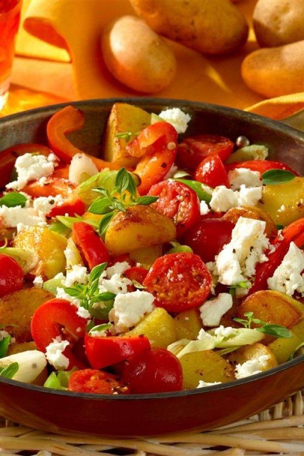 Kartoffelpfanne mit Gemüse: Mediterranes Rezept mit Feta