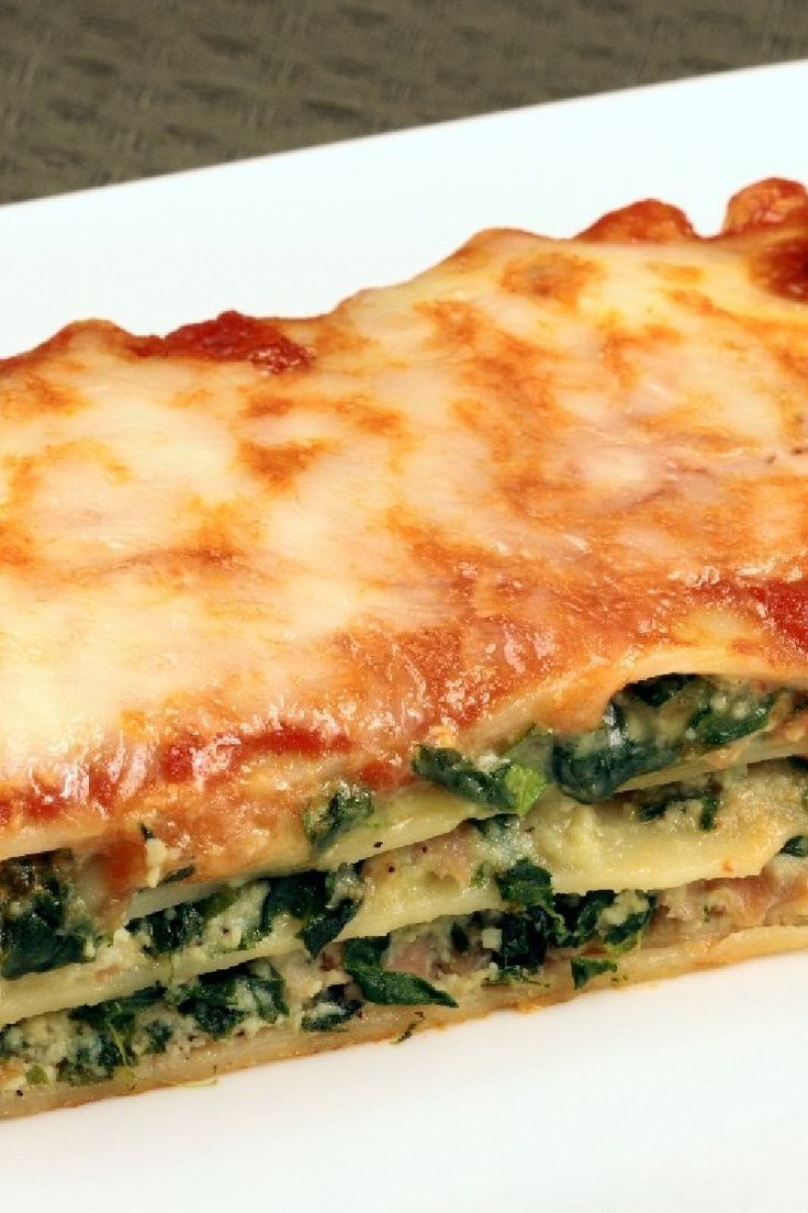 Simple Meatless Italian Spinach Lasagna Recipe With Onion Oregano Basil Garlic Spaghetti Sauce Cottage Cheese M Vegetarian Dishes Cooking Recipes Cooking