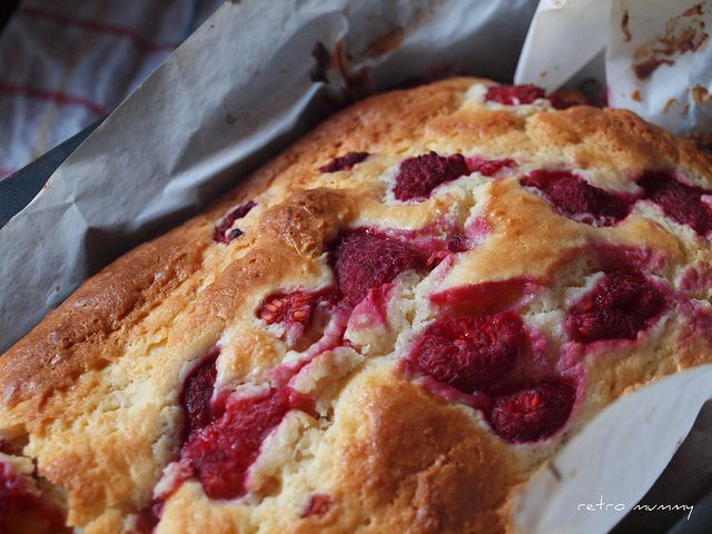 cream cheese and raspberry cake