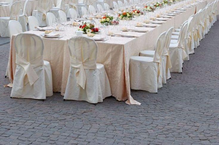 5 Bütün düğün salonları masa örtüsü ve sandalyeleri tekstil kumaş giydirme ve kumaş süsleme dekorasyonu tekstil firmaları İLETİŞİM : +90 532 797 08 20