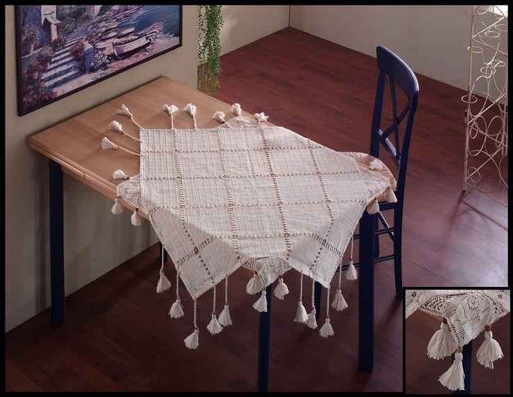 Fata de masa cu broderie si multi ciucurasi este confectionata din bumbac si este disponibila pe diferite dimensiuni tocmai pentru a se potrivi pe orice masa. Va place? http://goo.gl/qjpVQ7