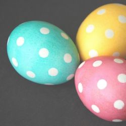 These polka dot Easter eggs are simple to make and budget-friendly.