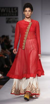 Anand Kabra. Taramati S/S 13'. Indian Couture.