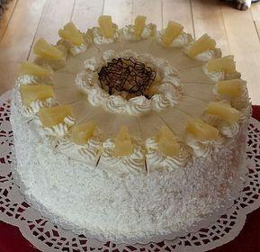 Ananastorte mit weißer Schokoladesahne- und Nougatcreme 1