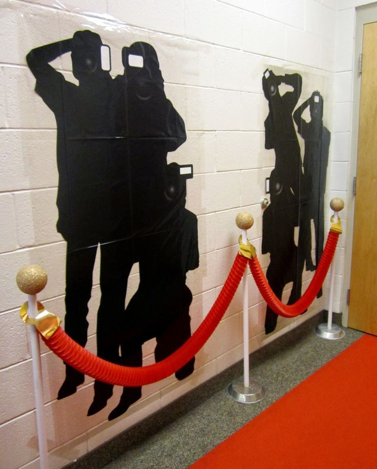 Paparazzi! What a great addition for one wall of the Hollywood theme classroom!