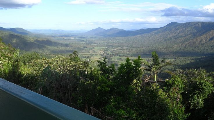 There are several ideal lookouts in Eungella for scenic shots: Goodes lookout (image), Peases Lookout and Sky Window lookout. #Eungella #Queensland #Lookouts #Australia