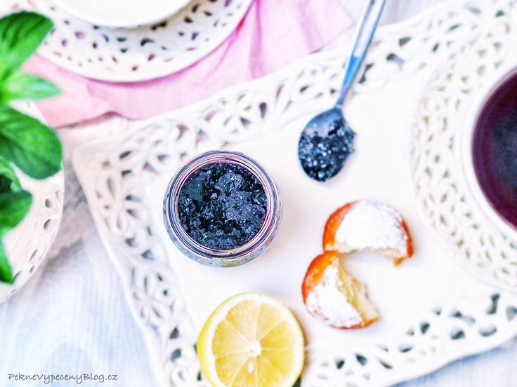 Pečený čaj – hodně ovoce, v malé skleničce