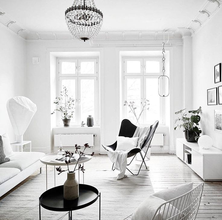 Beautiful Room! #decor #interiordesign #home http://fromluxewithlove.tumblr.com/post/154392638771/living-room-envy