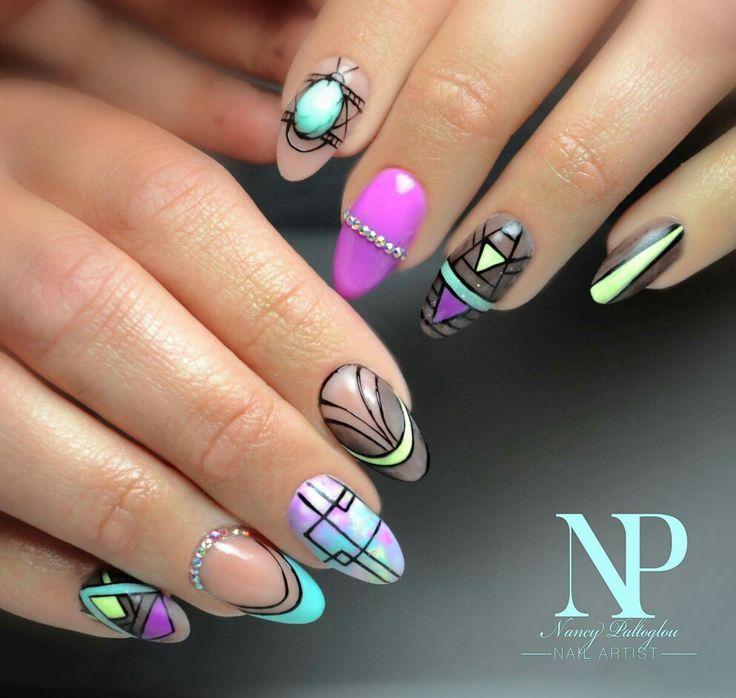 graphic nail design