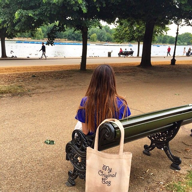 ☀️Günaydın. Bu sabaha @efsanecilek hanımın #Londra #hydepark 'taki #myoriginalbag paylaşımı ile başlıyoruz.Yazlık ve günlük rahat kullanım çantalar için Modafabrik.com 'a davetlisiniz #modafabrik #modafabrikheryerde #london #mornings #efsoş #scene #hyde #uk #english #england #unitedkingdom #royalfamily #picoftheday #plajçantası #beachbag #trendy