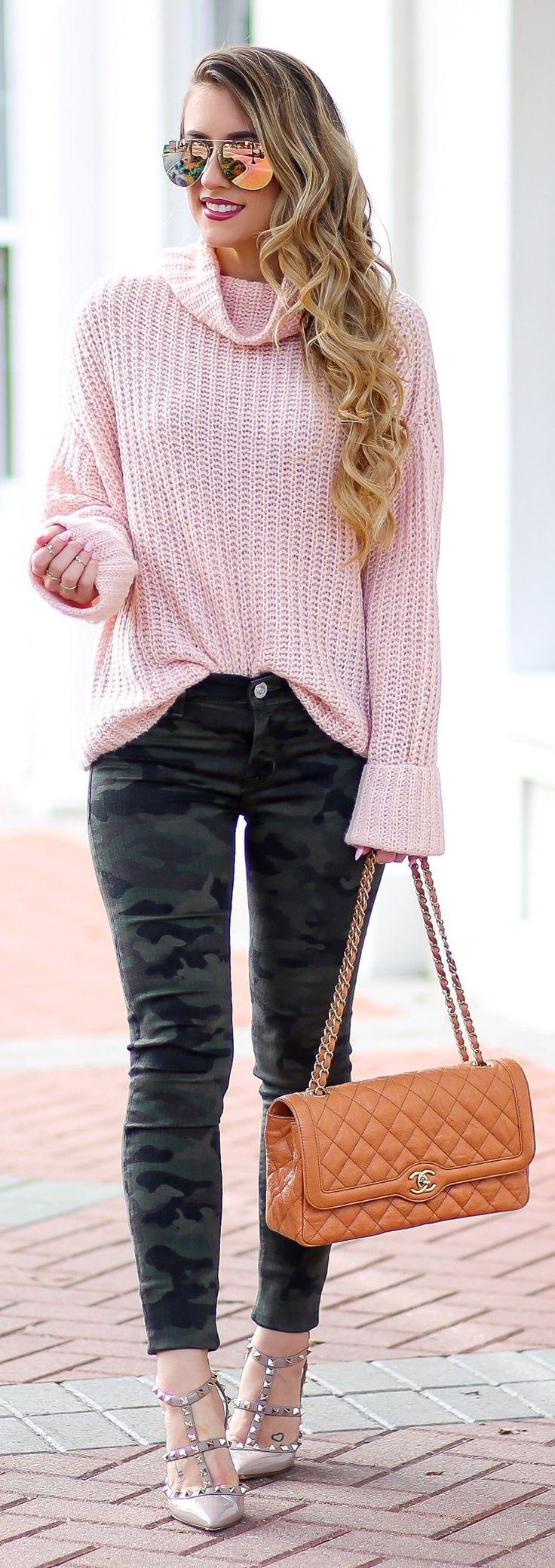 #winter #fashion /  Pink Turtleneck / Camo Skinny Pants / Brown Quilted Shoulder / Studded Pumps