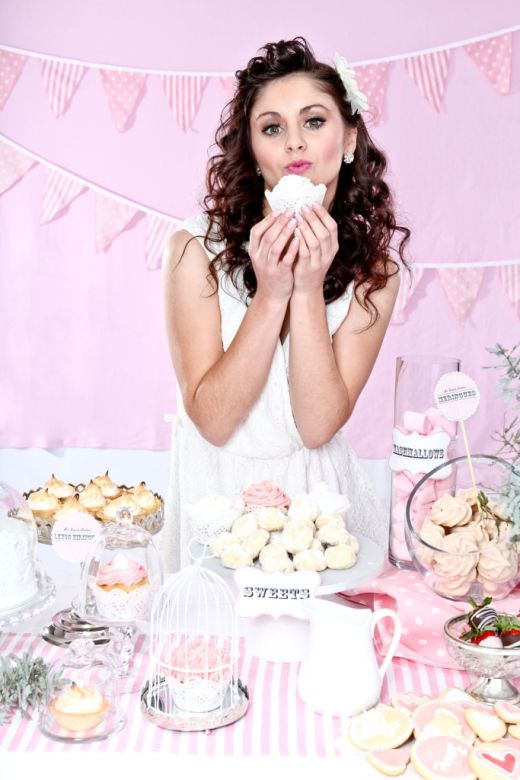 HOW CUTE IS THAT!!?? STUNNING MAKE-UP BY CAPTIVATED MAKE-UP ARTISTRY AND CUPCAKES BY MISS RUBY'S BAKERY