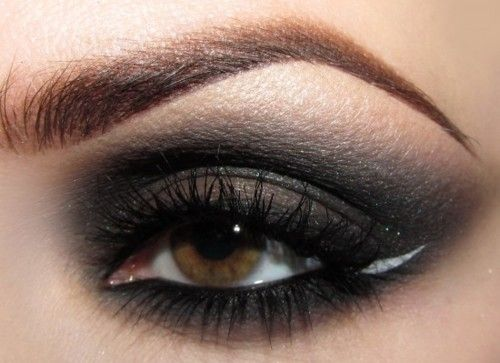 Pencil and shadow blended brows :: Natural smokey eye w/ a white winged edge