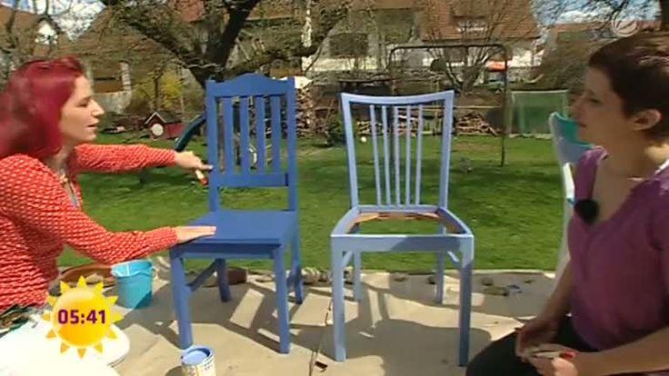 Hier ein Flohmarktfund, da die Stühle aus Omas Küche – über die Jahre sammelt sich so manches Möbelstück an. Solch alte Möbel restaurieren Sie mit wenig Aufwand und verleihen ihnen neuen Glanz. Wie Sie alte Tische, Stühle und antike Schränke aufbereiten, sprich behandeln und streichen können, erfahren Sie hier, im SAT.1 Ratgeber.