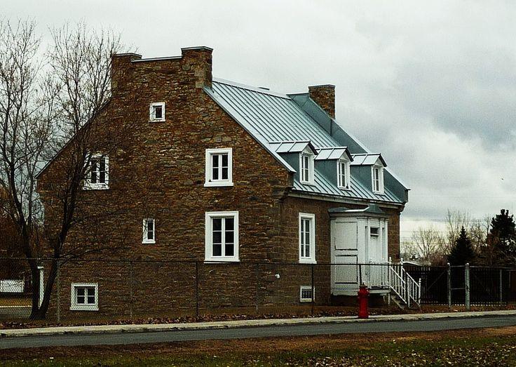17 meilleures id es propos de maison de pierre calcaire for A la maison de pierre et dominique montreal