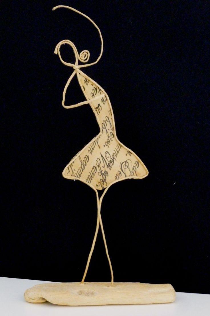 Danseuse étoile - figurine en ficelle de kraft armé et papiers originaux