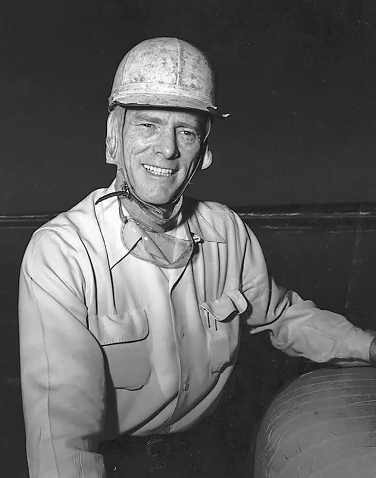 1949: Red Byron : NASCAR champions: from Grand Nationals through Sprint Cup