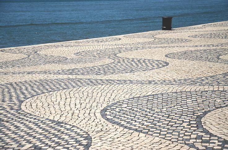 Dans cet article je vous fais découvrir le quartier de Belem à Lisbonne. Un quartier un peu à l'écart où se trouve une pâtisserie et quelques monuments