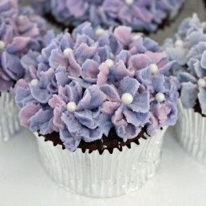 Image detail for -Hydrangea Cupcakes~Simply Elegant | Grin and Bake It!
