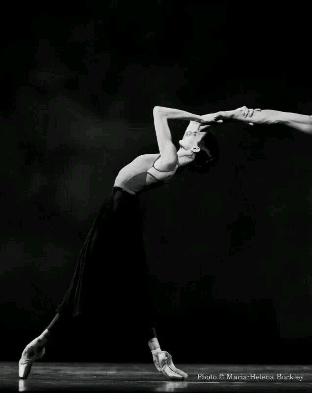 gorbigorbi:  Svetlana Zakharova (Bolshoi Ballet) rehearsal   Photo  Maria-Helena Buckley