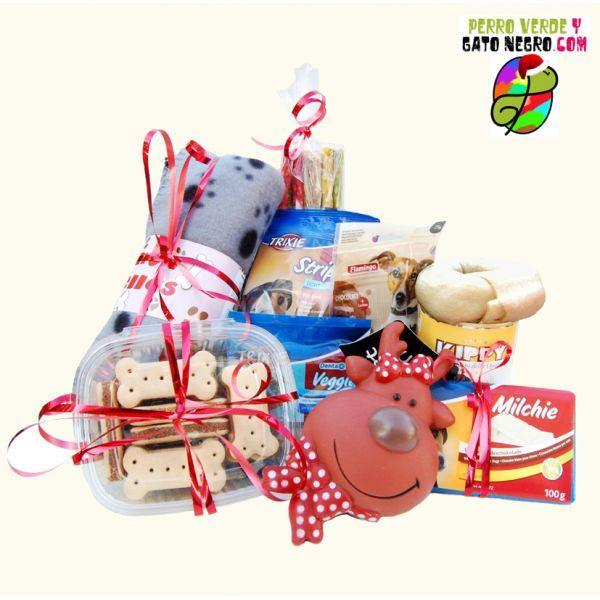 ¡Cesta de regalos navideños para perros!  ¡Esta Navidad todos con regalos!  http://perroverdeygatonegro.com/regalos-navidad-perro-y-gato/103-regalo-navideno-para-tu-amigo-perro.html