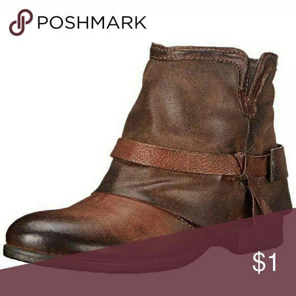 Spotted while shopping on Poshmark: ISO! #poshmark #fashion #shopping #style #Miz Mooz #Shoes