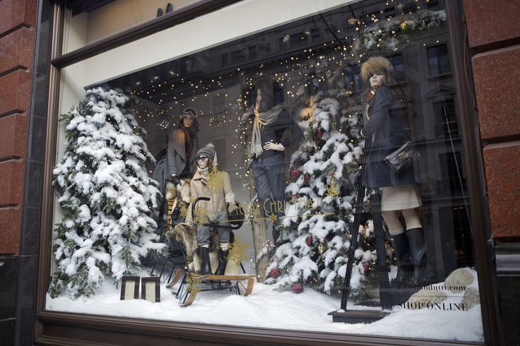It is a white out at @massimodutti in #RegentStreet this #Christmas.