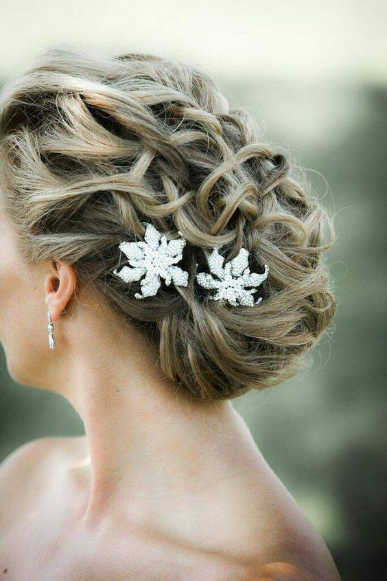Wedding Hairstyle   : Featured Photographer: Kelly Brown Weddings; Wedding hairstyle idea.