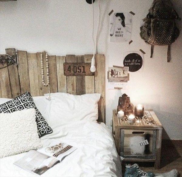 Tête de lit en palette dans une déco de chambre très naturelle
