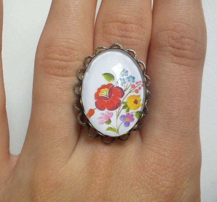 Folk ring Hungarian kalocsai folk flower print by BocicaJewelry