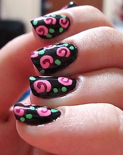 cartoon-ish roses: Nail Polish, Polish Ideas, Cartoon Ish Roses, Rose Nails, Rose Nail Art, Nail Ideas, Swirly Roses