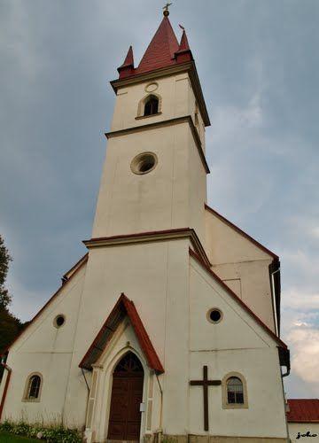 obec Píla - kostol