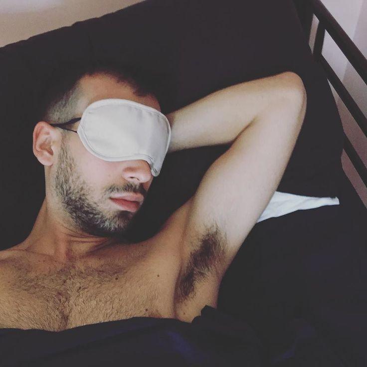 Altri 5 Minuti e giuro mi alzo... #hangover #Ballottaggi #scrutatore