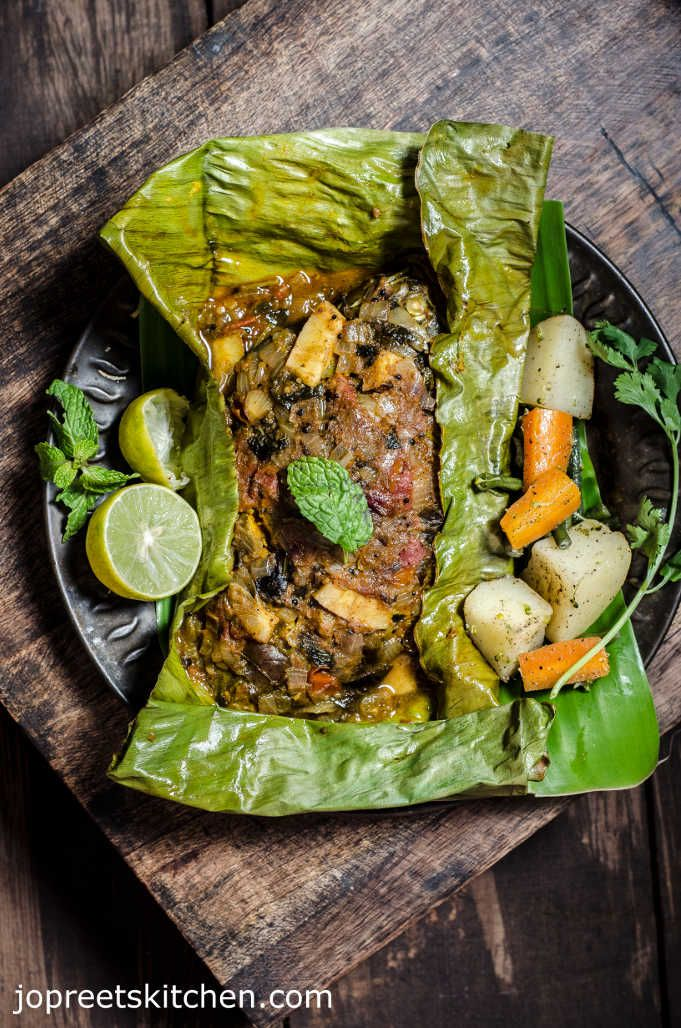 Baked Whole Fish Masala / Meen Pollichattu, a healthy indian style fish masala preparation which can be enjoyed with rice. This method can be tried with any fish like Pearl Spot / Karimeen, Red Snapper / Sankara and Ayala.
