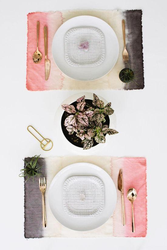 diy | dip dye placemats for your reception tables | via: designlovefest