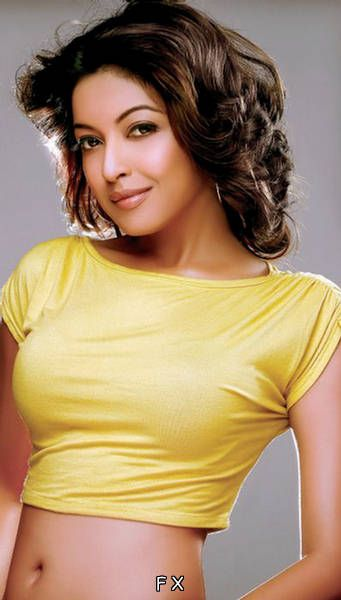 Tanushree Dutta With Short Hairstyle
