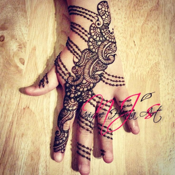 Party henna 2013 © NJ's Unique Henna Art