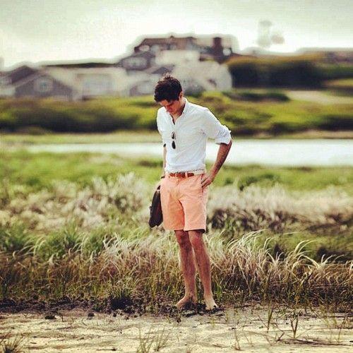 : Men Looks, Bermuda Shorts, Summer Looks, Guys Style, Men Shorts, Men Wear, Summer Shorts, Coral Shorts, Peaches Shorts