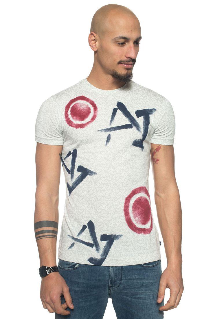 Armani Jeans  , T-shirt girocollo , manica corta , fantasia astratta , linguetta con logo , vestibilità fitted , colore: grigio , composizione: 100% cotone , linea: ARMANI JEANS , il modello indossa la taglia: M  - Euro 100