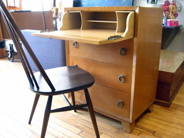 the 25 best broken dresser ideas on pinterest dresser repurposed diy 12x12 storage shed and. Black Bedroom Furniture Sets. Home Design Ideas