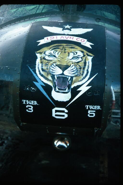 "'121 AVN CO.' ""Tiger 365"" Huey nose art ~ Vietnam War ..."
