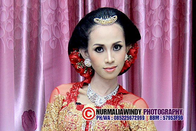 Nurmalia Windy - Fotografer Purwokerto | Windygraphy | Fotografer Wedding | Fotografer Prewedding: Saat Saya Berkebaya Merah Modifikasi - Make Up & H...