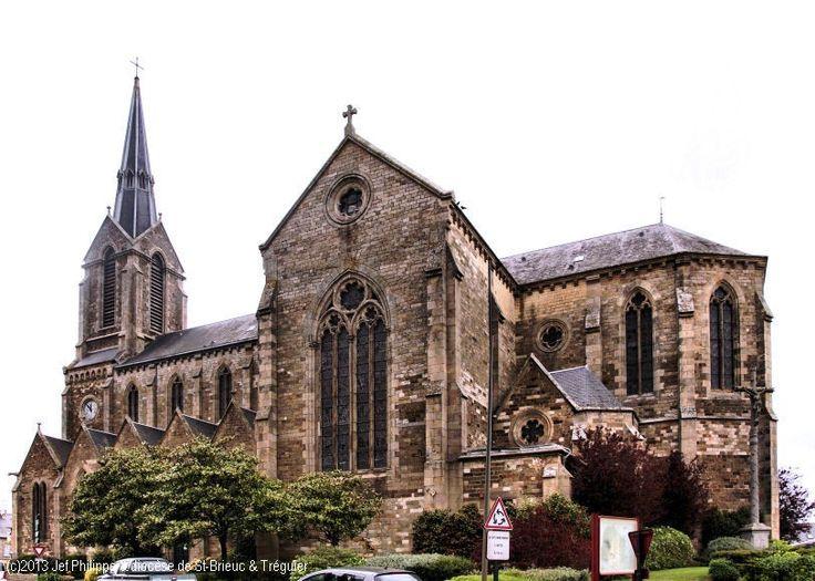 Église St-Pierre-St-Paul, à Ploubalay.