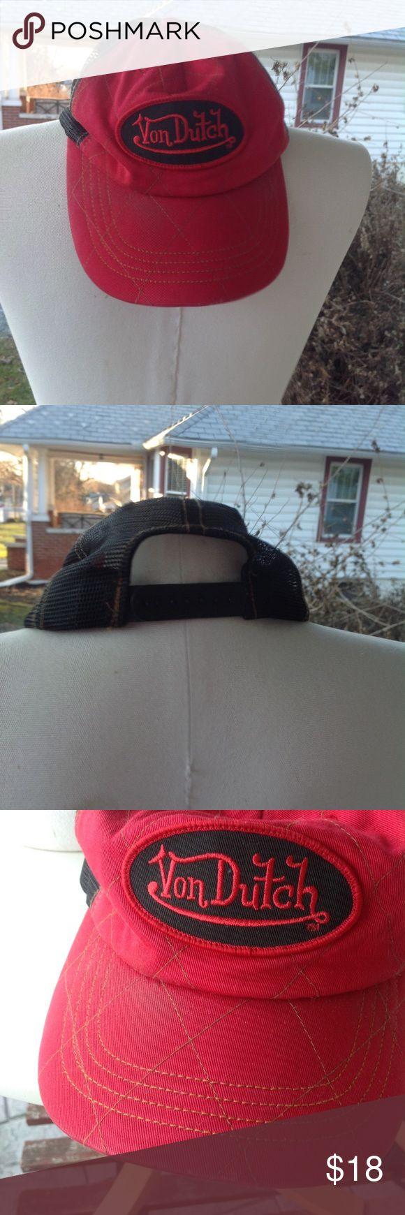 Mens von Dutch hat. One size, red and black, slight stains on front and on inside, a little worn. Von Dutch Accessories Hats