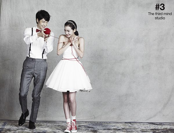 Korean star's wedding photography, cute concept pre wedding photography, playful pre wedding photo, Korean celebrities' wedding photo shoot, Korean star's wedding studio, the third mind studio in Korea, hellomuse wedding