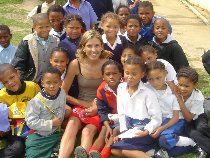 Elana Meyer with young up and coming runners