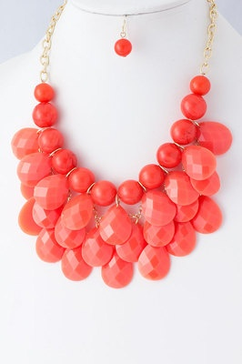 Coral: Beads Necklaces, Color, Shops, Jewelry Accessories, Coral Statement Necklaces, Jewels, Bubbles Necklaces, Diy Projects, Bibs Necklaces