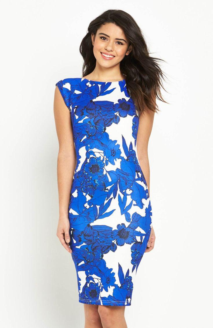 Modna sukienka z efektownym nadrukiem w kwiaty. Atrakcyjne połączenia kolorystyczne. Marki AX Paris. 299 zł na http://www.halens.pl/moda-damska-na-gore-5750/sukienka-576523?imageId=398524&variantId=576523-0054
