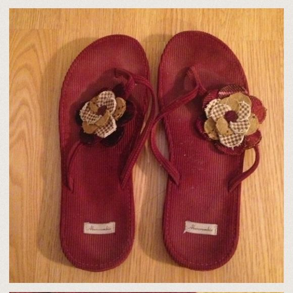 Abercrombie and fitch flower flip flops Barely worn size 8 Abercrombie & Fitch Shoes
